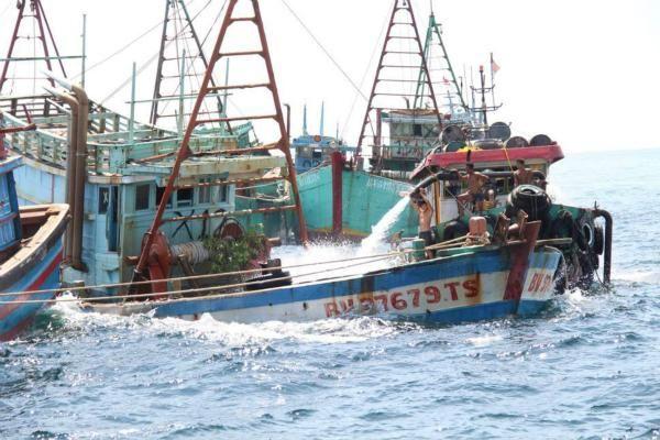 印尼击沉51艘外国渔船 为何要将这些船只炸毁?
