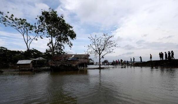 """热带气旋""""法尼""""孟加拉国登陆 堪称印度最强热带气旋"""